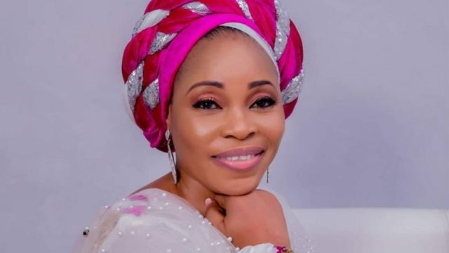 """""""This is jealousy and envy"""" - Tope Alabi dragged to filth for condemning song, 'Oniduro mi' (Video)"""