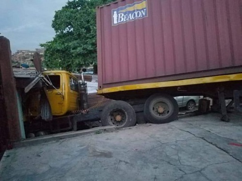 Tragedy Averted As Truck Rammed Into a Shop at Ojodu, Lagos after Brake Failure [Photos]